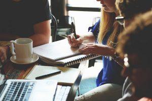 جلسه مدیریت پروژه در راستای جلوگیری از شکست پروژه ها