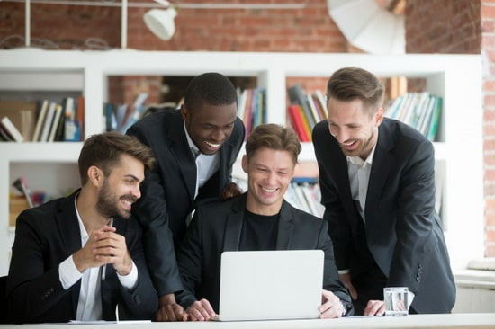 رابطه خوب با همکاران برای جلوگیری از فرسودگی شغلی